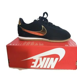 Nike Classic Cortez SE NIB